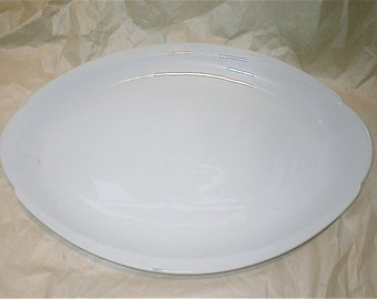 Amcrest White China Platter 16 Inch Serving Plate Soup Tureen Base Oval Platter Made in Japan
