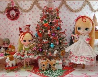 Holiday SALE!!!...Christmas Dollhouse Christmas Tree... Super Cute for Blythe.. Barbie.. Pullip.. American Girl Dolls...OOAK.. Tabletop
