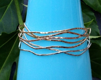 Stackable Wavy Bangle