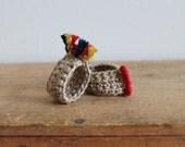 Duo, 2 rings , 2 fingers...rainbow, Bijoux tricot, crochet, cotton, beige, red,yellow,blue, orange, folklore