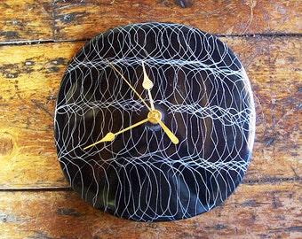 mid century kitchen wall clock 1950's atomic era enamel spaghetti squiggle timepiece