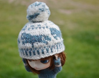 Hand Knit Hat for Pullip, Dal, Blythe - Dusty Teal & Oyster Beige Knit Pompon Hat - Ponies Ponies Ponies Ponies
