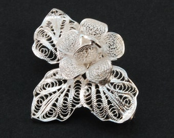 Thea Rose - Silver Filigree Brooch