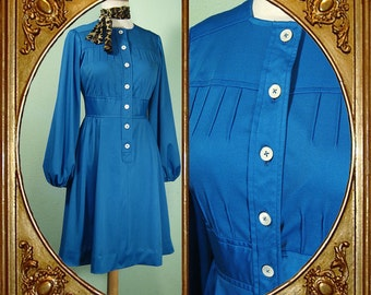 60s cornflower blue dress with seaming details and balloon sleeves. S