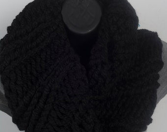Super Chunky Women's infinity scarf, black knitted scarf, super chunky scarf, knitted infinity scarf, cowl scarf