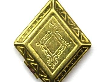 Vintage Locket Raw Brass Diamond Geometric Scrolls 38mm (2) VCP067