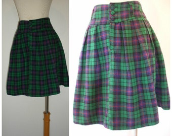 80s plaid skirt by Forenza. Flannel plaid ala Prep School shortie not mini in soft plaid flannel. 80s does grunge to prep, size M.