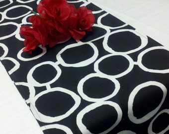 BISTRO SET Table runner AND 2 napkins Black and White Geometric Circles Freehand Links Wedding Bridal Runner