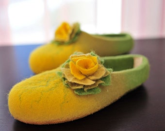 CUSTOM MADE Wool shoes/ felted home slippers  any color and size