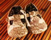 Clearance!! Cream and Brown Toile T-Strap baby shoes