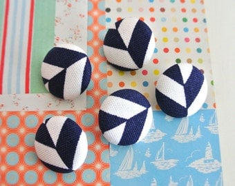 Fabric Buttons, Modern Navy Blue White Geometric Stripes Fabric Covered Buttons, Navy Blue White Geometric Fridge Magnets, CHOOSE SIZE 5's