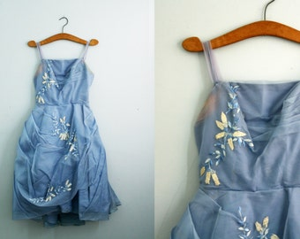 vintage 50s Gathered Corn Flower Blue Floral Embroidered Ladies Party Dress Frock // Mad Men or Prom Queen Halloween Costume AS IS