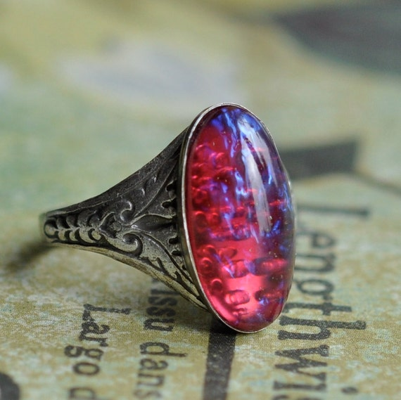 Nosferatu Silver Ring. Vintage Dragon's Breath glass opal ring