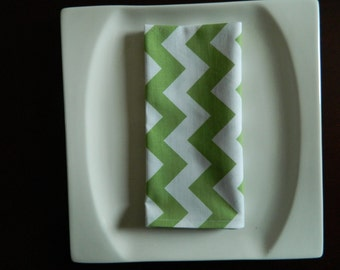 Green & White Chevron Cotton Dinner Napkins. Set of 6 Designer Fabric. Every Day Modern Napkins. Christmas Napkins