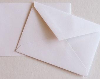 PPE39 Qty. 25 Paper rsvp Response Envelopes A1 70#V Flap 5 1/8 x 3 5/8 (13.02cm x 9.21cm) White