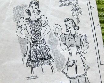 1940s Vintage Sewing Pattern - Mail Order 2810 - Bib APRON with Appliqué - Half Apron / Medium 36-38