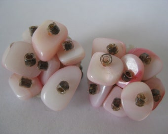 Pink White Cluster Earrings Clip Vintage