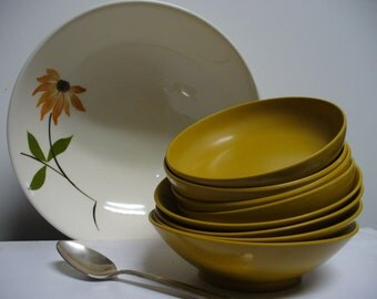 Black Eyed Susan Serving Bowl - Canonsburg Pottery Sky Line Series