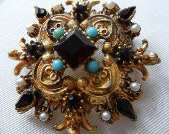 Ornate Victorian-style Brooch
