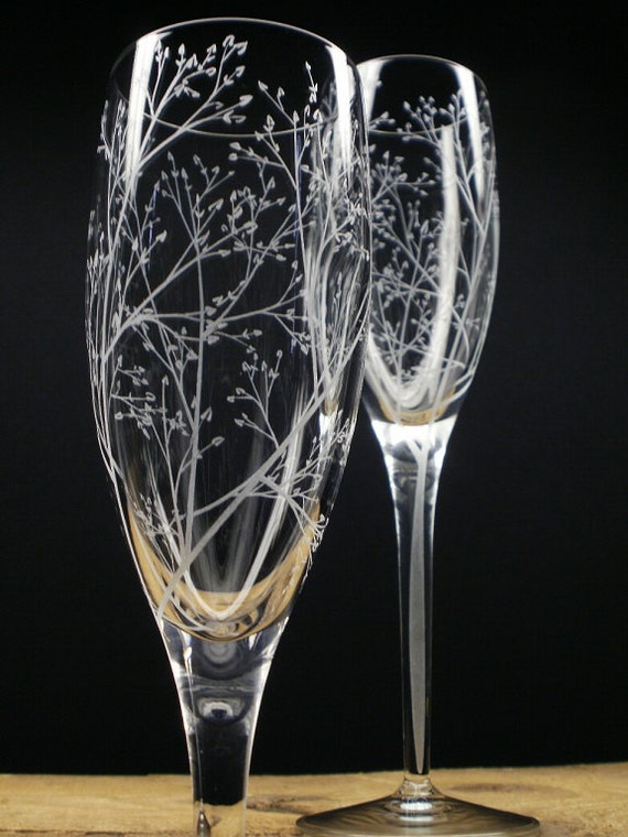 Wedding Present Champagne Glasses : ... Hand Engraved Champagne Flutes Bridal Party Gift Summer Wedding Decor