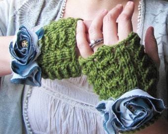 Petal Gloves - Leaf Green