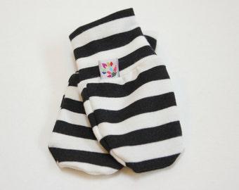 Black and White Stripe Bamboo Scratch Mittens