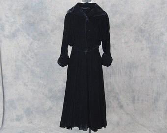vintage 40s Dress - 1940s Black Velvet Cocktail Dress - Noir Party Formal Dress Sz S