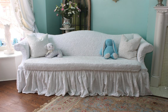 shabby chic sofa couch ruffle roses white by vintagechicfurniture. Black Bedroom Furniture Sets. Home Design Ideas