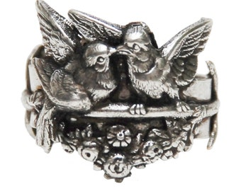 Kiss Bird ring/ Woman Gift/ Special gift/ Silver ring/ Elegant style/ Unique Ring/ Handmade/ Made in France/ Animal Ring/ Fashionable/ Style