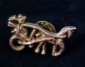 EQUESTRIAN Gold Plate Tac pin Horse Driven Pin