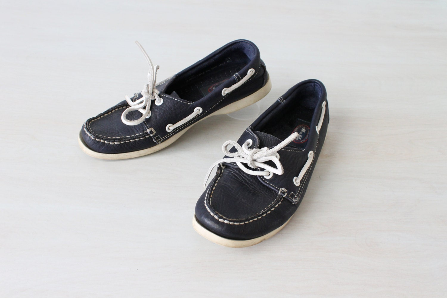 boat shoes womens navy leather allen and polly size