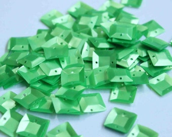 100 Square 3D Green sequins/KBSS243