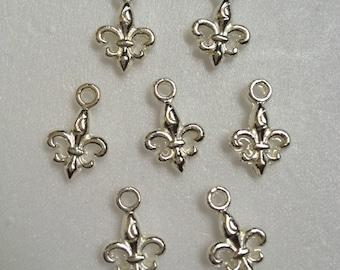 20 - Fleur-De-Lis small silver charm, Drop, Pendant - Lead free, cadmium free