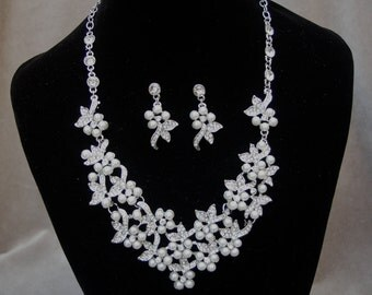 Bridal Rhinestone & Pearl Necklace And Earrings Set / Wedding Jewelry / Victorian Bridal Inspired