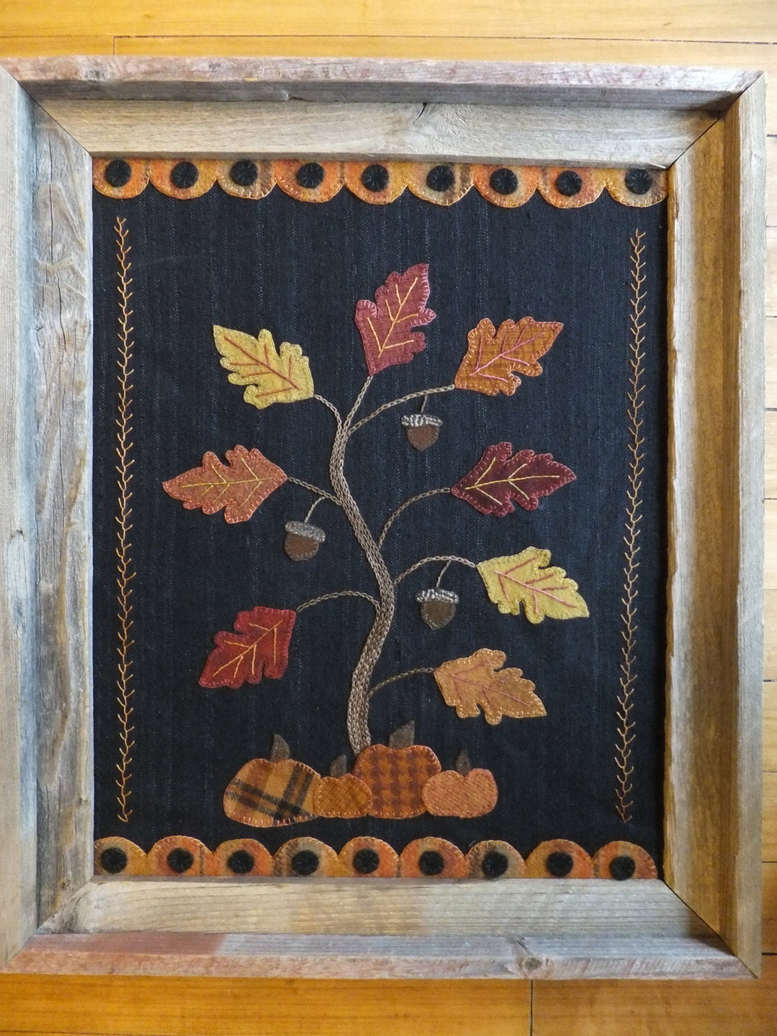 Holly Amp Ivy Autumn Splendor Wool Applique Wall Hanging