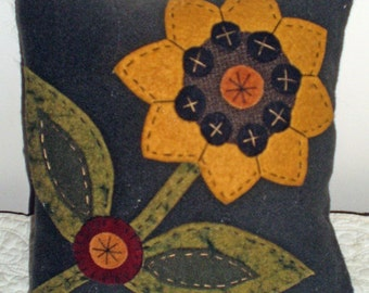 Oley Valley Primitives Wool Applique SUNFLOWER Penny Rug Pillow Digital Download