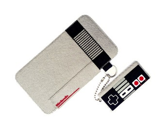 iPhone/Samsung Galaxy/iTouch: NES Felt Case