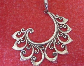 Bali Sterling Silver Pendant / Balinese handmade jewelry / Silver 925 / 1.75 inch long / (#150m)