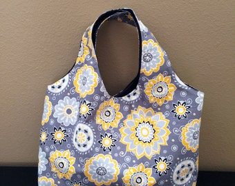 Gray and Yellow Purse/Tote With Magnetic Snap