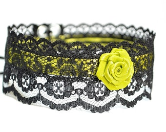 Sweet Choker with Black Lace and Limon Green Satin, Gothic and Renaissance Necklace with Flower, Feminine Cabaret Neck Adornment, Glamour