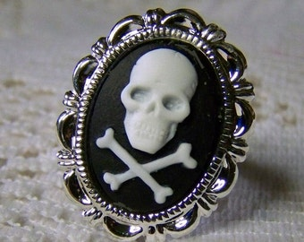 JOLLY ROGER Ring - Skull Crossbones Pirate Adjustable Ring - Pirate Cross - Antiqued Silver Baroque - Gunmetal - Halloween Gothic