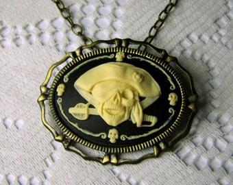 Pirate Pendant - Large - BLACKBEARD - Swashbuckling BUCCANEER - Pirate Brooch  - Medallion