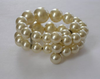 Pearl Bracelet Stretchable 1950s