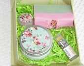 Bath and Body gift set / 1 soap - 1 lotion - 1 lip Balm - 1 solid perfume / Handmade for Her