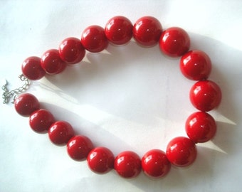 Red Lucite  Beads Vintage  Beads