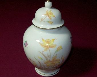 Vintage Shaddy Mino Ginger Jar / Vintage JGI Japan Ginger Jar / 1970s Porcelain Ginger Jar with Daffodils & Butterflies