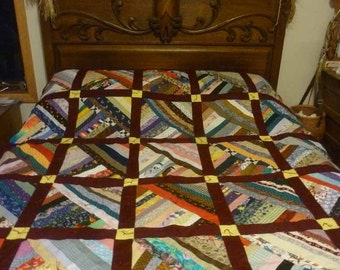 Ruby Lattice Patchwork Quilt