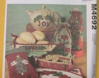 McCalls M4692 Christmas gift items