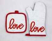 Love is the Special Ingredient Oven Mitt and Pot Holder Set