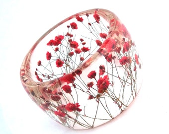 Size XL Red Botanical Resin Bangle. Baby's Breath Pressed Flower Bracelet.  Plus Size Bangle with Real Flowers.  Personalized Custom Jewelry